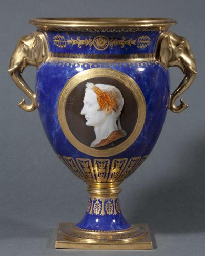 Service de Sèvres du cardinal Fesch, 80 pièces - Patrimoine Charles-André COLONNA WALEWSKI, en ligne directe de Napoléon