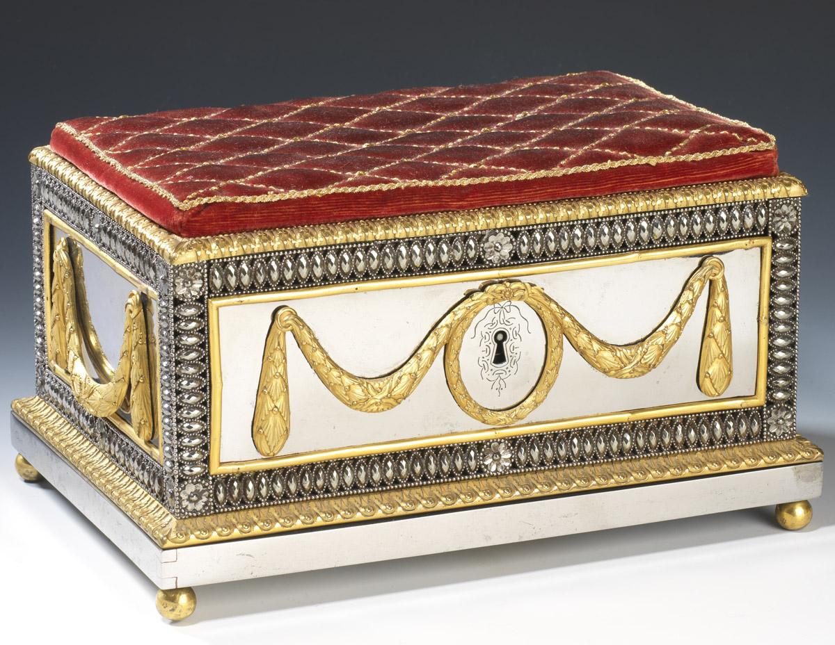 Coffret à couture en acier et bronze doré, Toula - Patrimoine Charles-André COLONNA WALEWSKI, en ligne directe de Napoléon