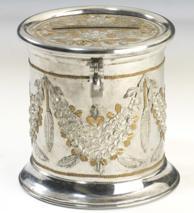 Tirelire cylindrique en acier de Toula - Patrimoine Charles-André COLONNA WALEWSKI, en ligne directe de Napoléon