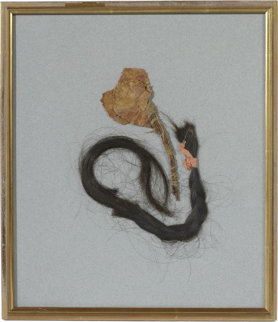 Cheveux et rose de Rachel - Patrimoine Charles-André COLONNA WALEWSKI, en ligne directe de Napoléon