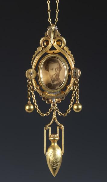 Médaillon de Rachel renfermant des cheveux du prince de Joinville - Patrimoine Charles-André COLONNA WALEWSKI, en ligne directe de Napoléon