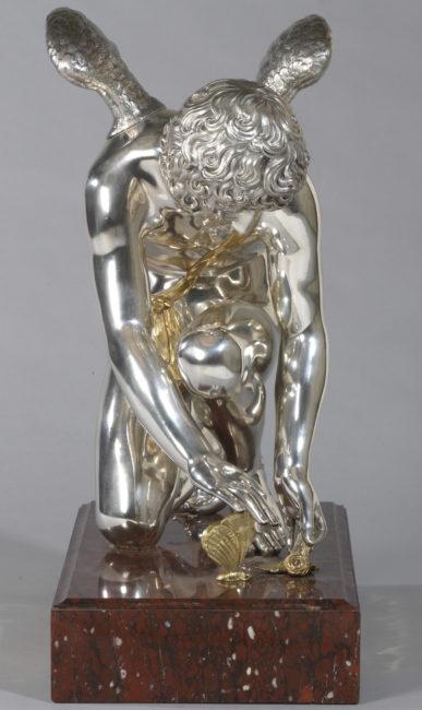 Amour ramassant une rose et un papillon - Patrimoine Charles-André COLONNA WALEWSKI, en ligne directe de Napoléon