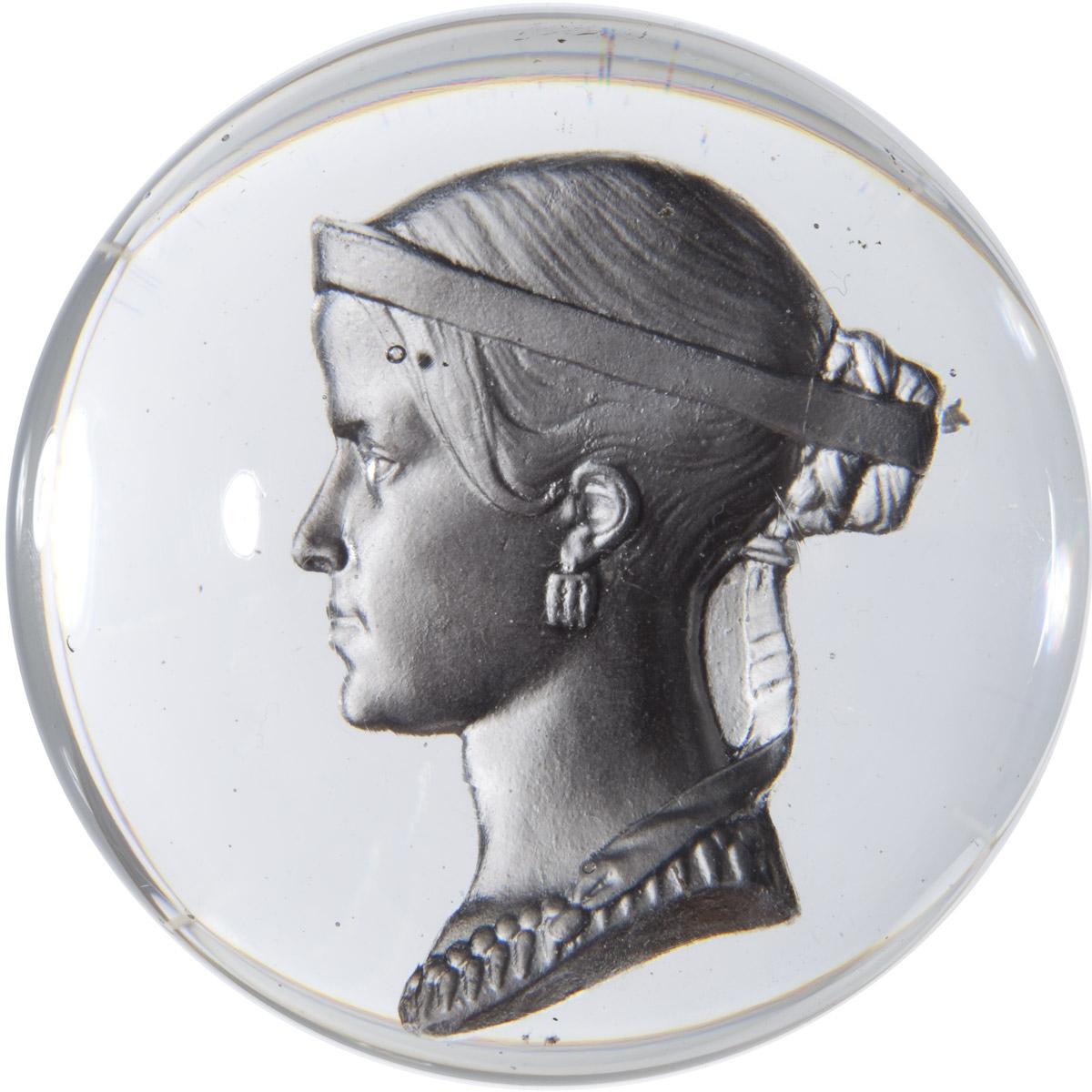 Boule sulfure avec portrait de Rachel - Patrimoine Charles-André COLONNA WALEWSKI, en ligne directe de Napoléon