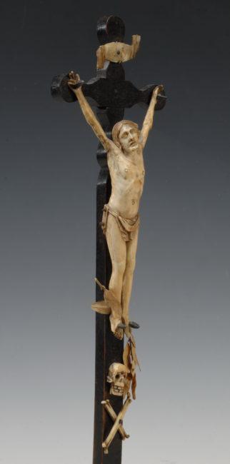 le crucifix - Patrimoine Charles-André COLONNA WALEWSKI, en ligne directe de Napoléon