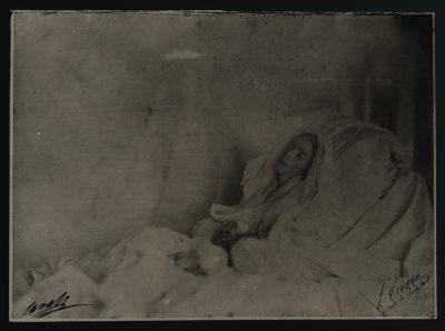 Photographie (contretype ancien) de Rachel sur son lit de mort - Patrimoine Charles-André COLONNA WALEWSKI, en ligne directe de Napoléon