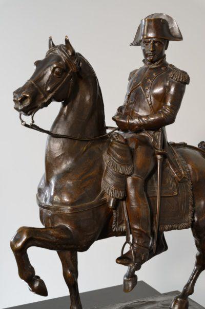 Bronze équestre de l'Empereur Napoléon Ier - Patrimoine Charles-André COLONNA WALEWSKI, en ligne directe de Napoléon