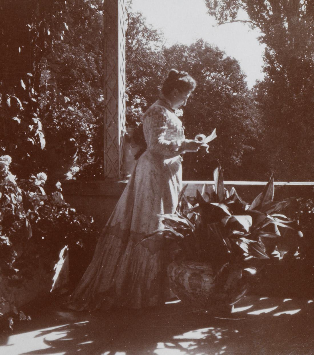 Photographie de la comtesse Walewska née Douay - Patrimoine Charles-André COLONNA WALEWSKI, en ligne directe de Napoléon