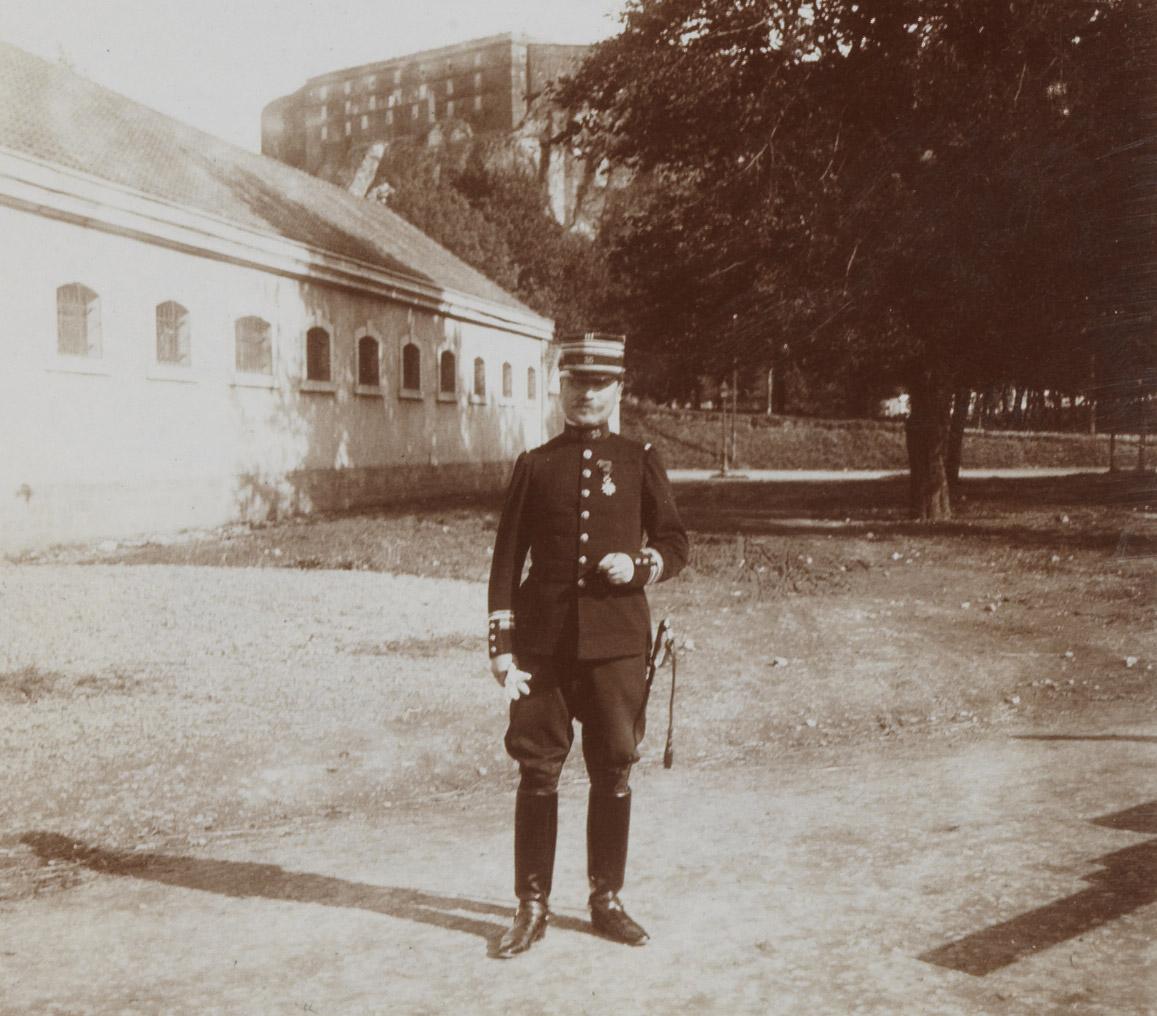 Photographie de Charles Walewski en lieutenant colonel - Patrimoine Charles-André COLONNA WALEWSKI, en ligne directe de Napoléon