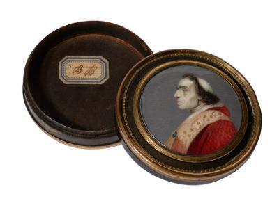 Boîte ronde en écaille montée en met TRESCA Giuseppe - Patrimoine Charles-André COLONNA WALEWSKI