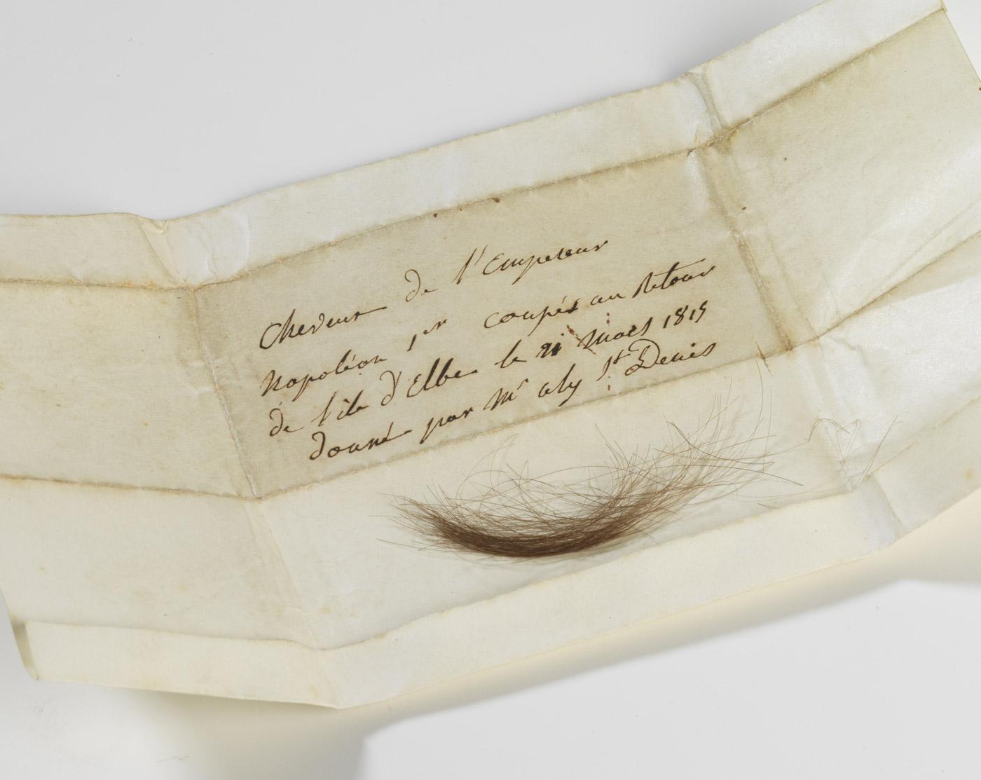 Cheveux de Napoléon - Patrimoine Charles-André COLONNA WALEWSKI, en ligne directe de Napoléon