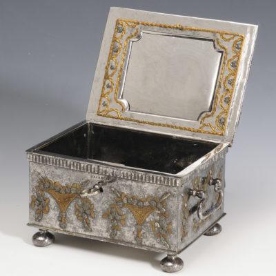 Coffret à bijoux en acier de Toula - Patrimoine Charles-André COLONNA WALEWSKI, en ligne directe de Napoléon