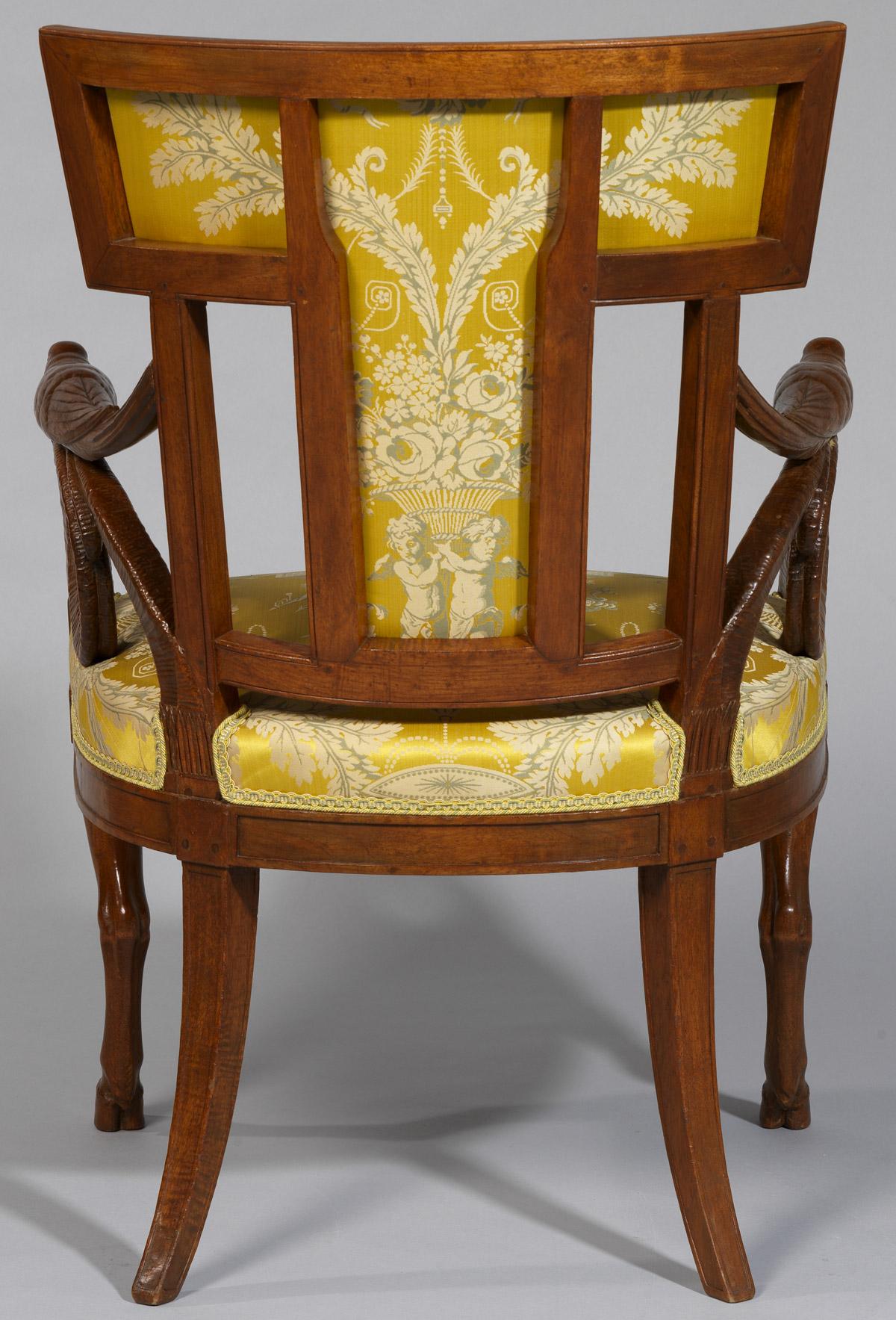 Paire de fauteuils Directoire - Patrimoine Charles-André COLONNA WALEWSKI, en ligne directe de Napoléon