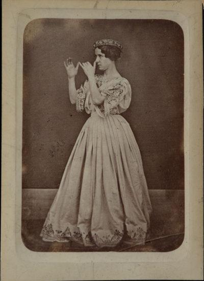 Mlle Rachel au pied de nez - Patrimoine Charles-André COLONNA WALEWSKI